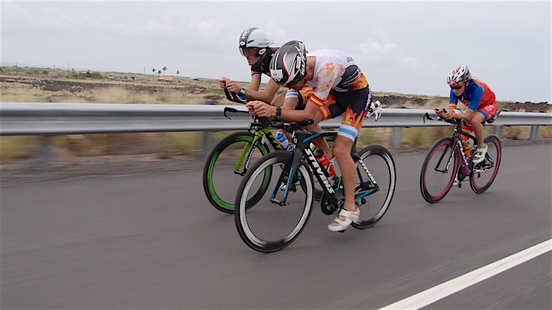 VIDEO: Triatletas por Kona