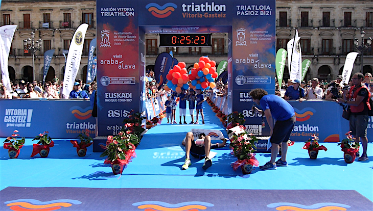 VIDEO: Entrada Top 5 masculino Full Triathlon Vitoria