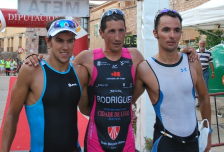 Galicia Power y Marina Damlaimcourt favoritos en el Triatlon de Palmaces