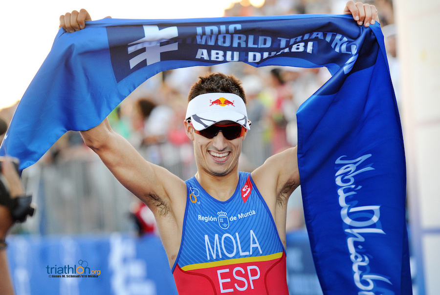 VIDEO: Highlights Mario Mola triunfo en WTS Abu Dhabi