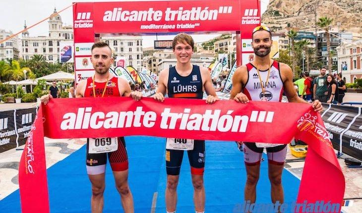 Universitad de Alicante, Luhrs y Roel vencen el Triatlón de Alicante