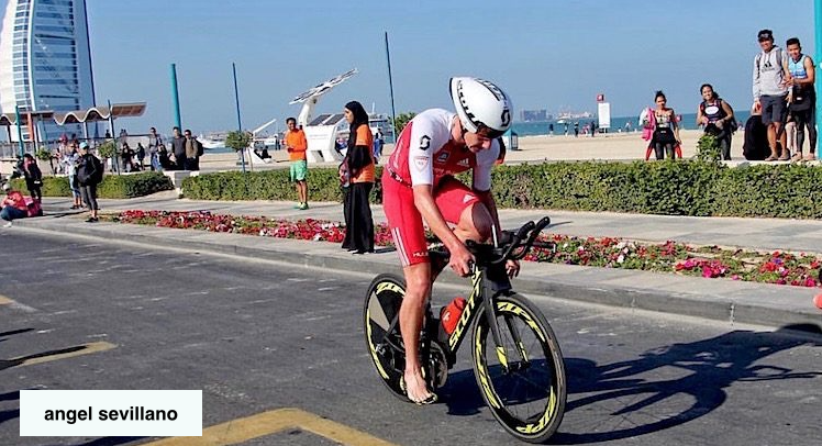Alistair Brownlee sigue sumando en Media Distancia